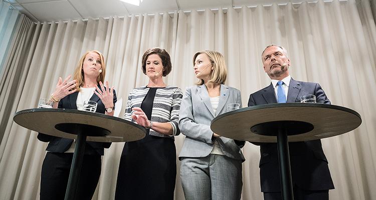 26 juli. Alliansledarna hotar med misstroendeförklaring mot tre av regeringens ministrar.